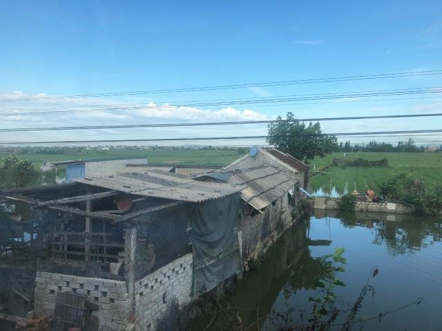Train journey Hue - Ninh Binh