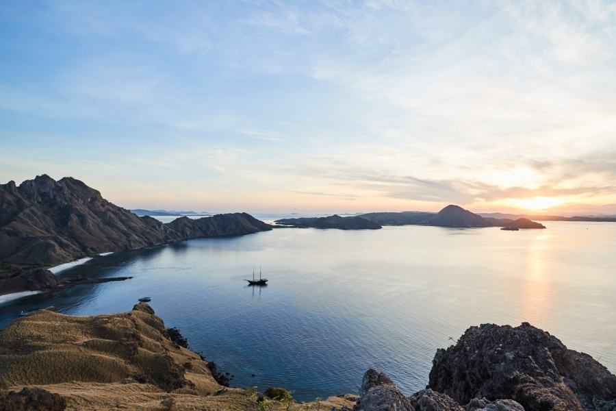 Pulaul Padar sunset (Image courtesy of Amanwana)