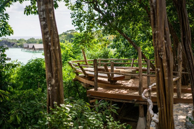 Private lookout deck, Bawah Reserve (Image courtesy of Bawah Reserve)