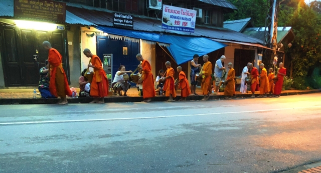 Alms giving, Luang Prabang